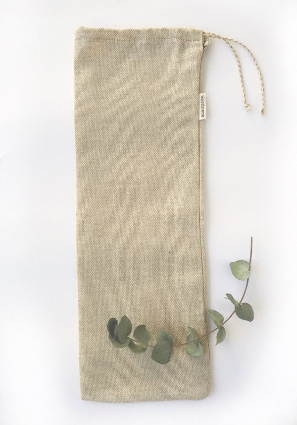 Reusable bread bag for baguettes made from natural cotton and linen