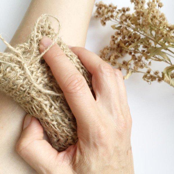 Skin peeling using natural jute soap bag