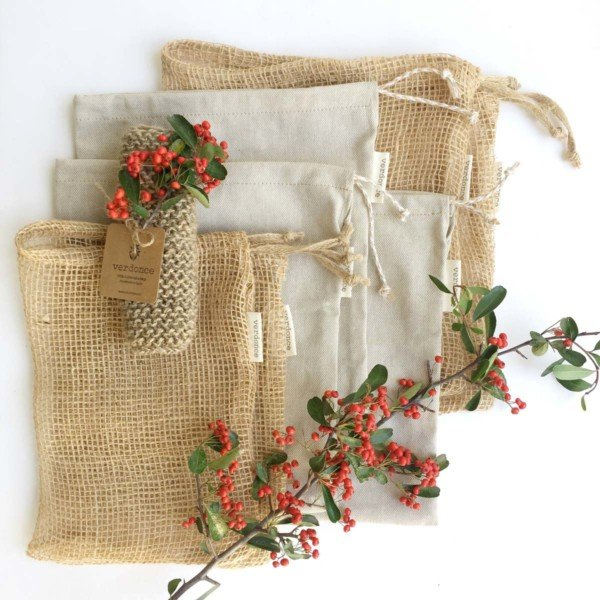 Yute fibre bags and cotton and linen bags with scrubbing cloth