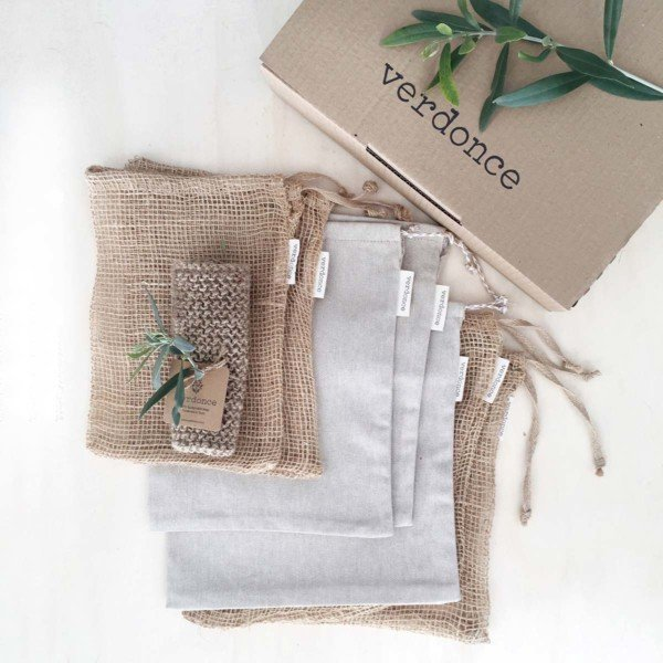 Olive twig, verdonce box, reusable bags and jute scrubbing cloth