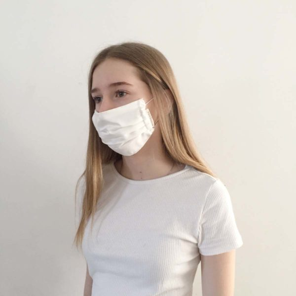 Teenager wearing a Lyocell reusable face mask by Verdonce
