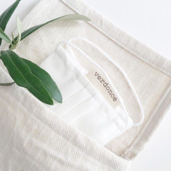 Close up of the Verdonce eco essentials bag