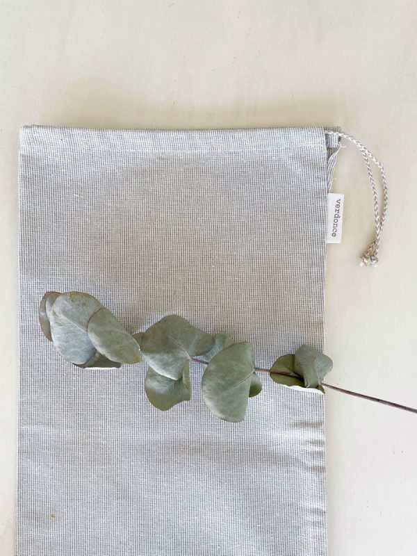 Close up of verdonce reusable bread bag made from recycled cotton