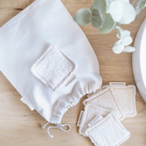 pack of reusable organic cotton facial wipes with recycled cotton bag