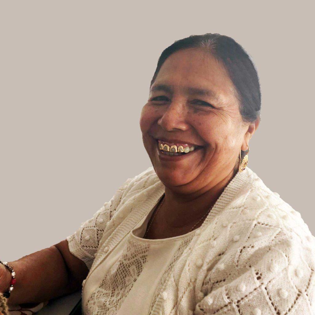 Mujer del proyecto IAIA Tejiendo un futuro con Verdonce