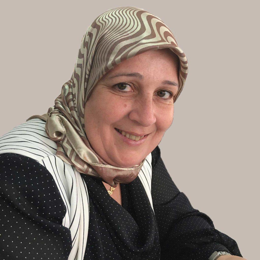 Mujer del proyecto social Tejiendo un futuro con Verdonce y asociacion IAIA