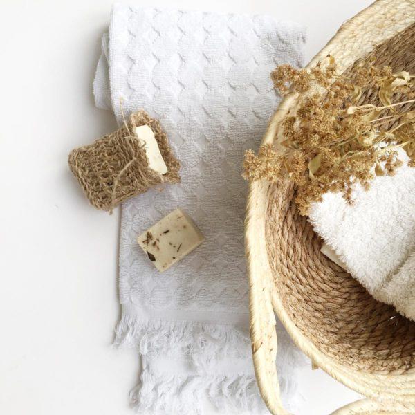 Saquito de yute para jábon de Verdonce con jabon y toalla