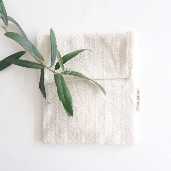 Bolsita multiuso de algodón reciclado con hojas de un olivo