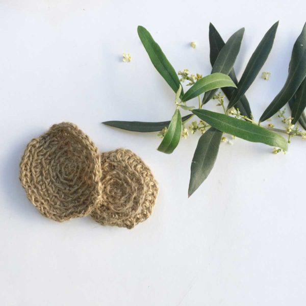 Hoja de olivo y discos exfoliantes de jute