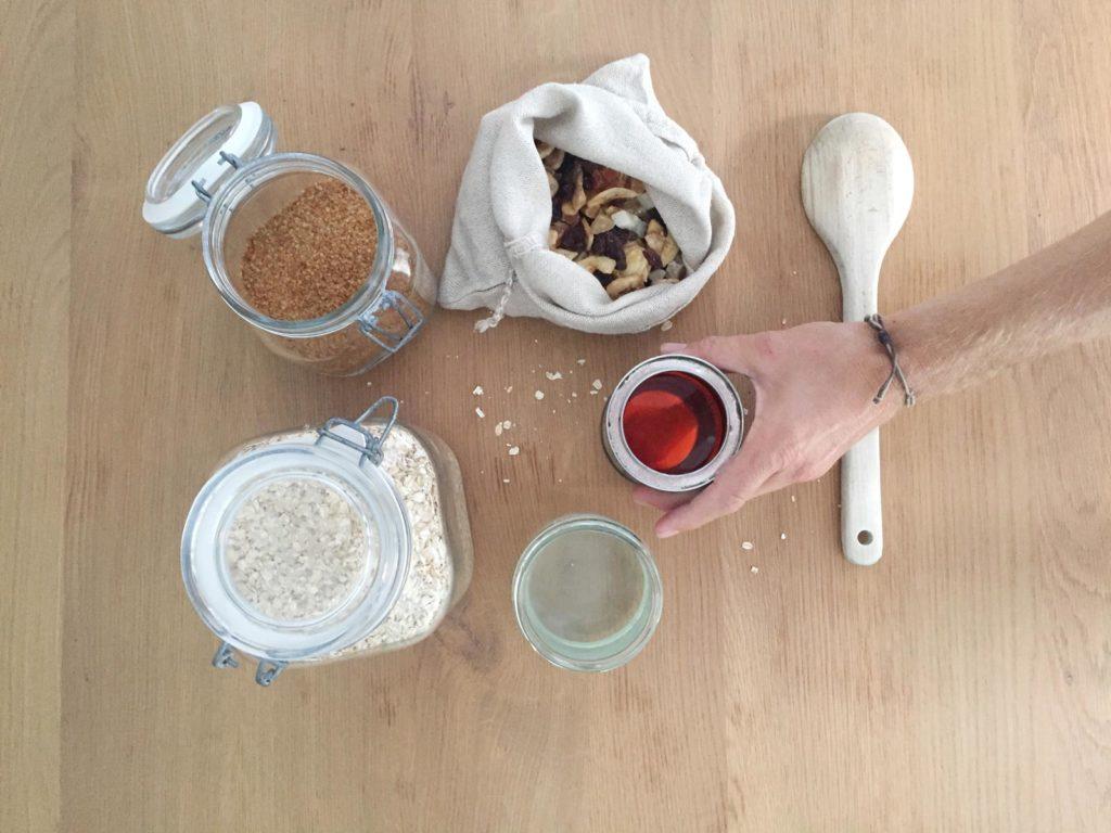 ingredientes para hacer barritas energéticas veganas y residuo cero