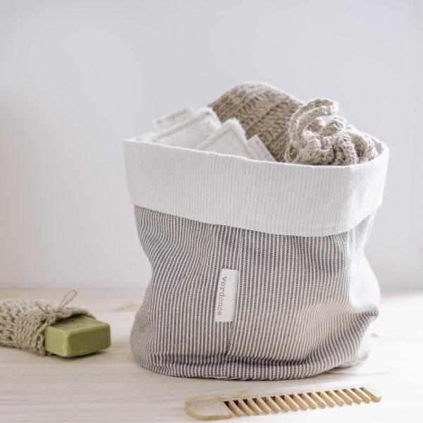 Cesto eco Verdonce con productos ecológicos del baño color olivar-natural